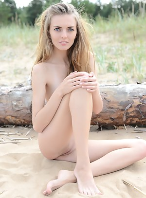 Teen girl sunbathing nude
