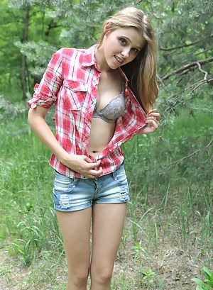 Teen undress nude gallery