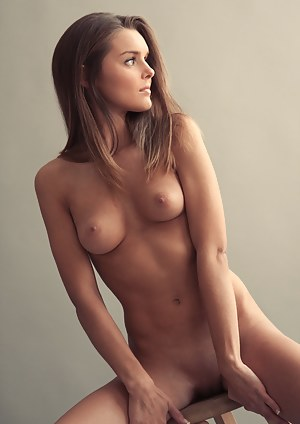 women exhibit itself at camera