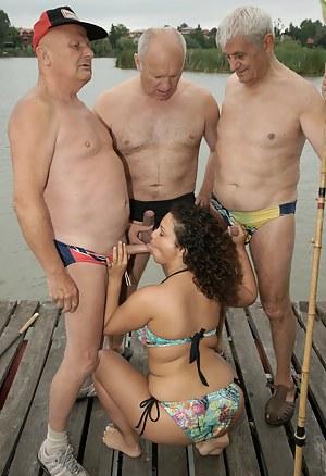 Girls Blowbang Porn Pictures