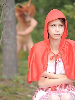 Cosplay teen nude