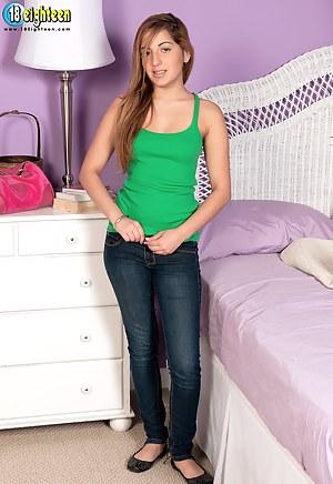 Girls Bedroom Porn Pictures