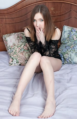 Girls Bedroom Pics at Teen Nude Girls